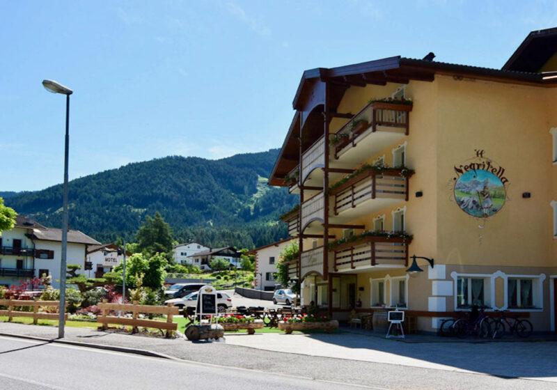 hotelnegritella_esterno1