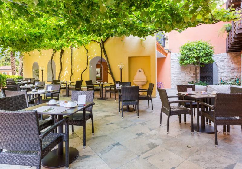 mytrentina_hotelpace1954_terrazza2