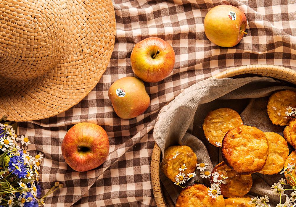 Tortini morbidi con mele e ricotta
